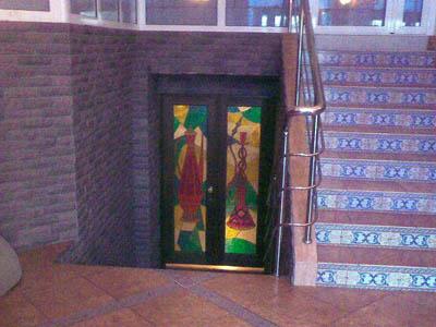 Оформление входа - витражи, ручная роспись